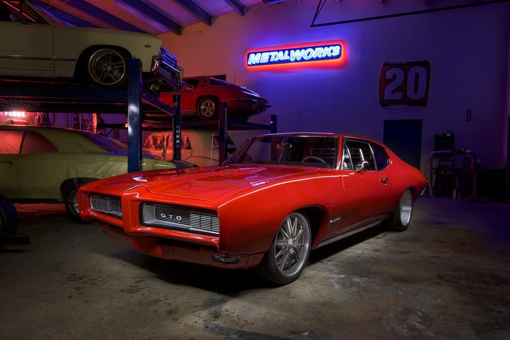 MetalWorks '68 Pontiac GTO finished 01