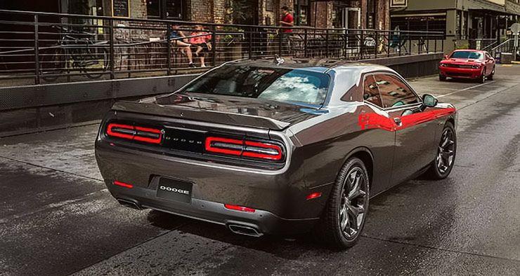 2017 Dodge Challenger 02