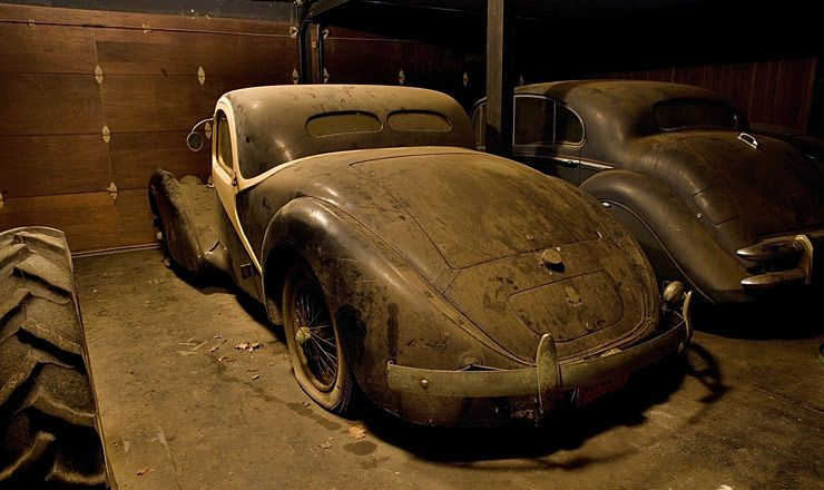 Barnyard 1938 Bugatti Type 57C Atalante 02
