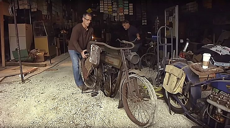VINTAGE MOTORCYCLE BARN FIND