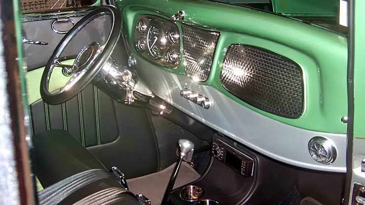 1933 Ford Coupe Rolling Thunder interior