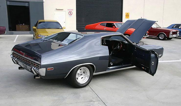 1973-ford-landau-rear