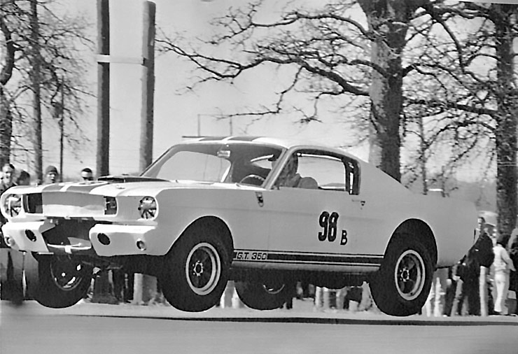 Watch the ONLY Known Video of the Shelby Mustang GT-350's First Win! -  ThrottleXtreme