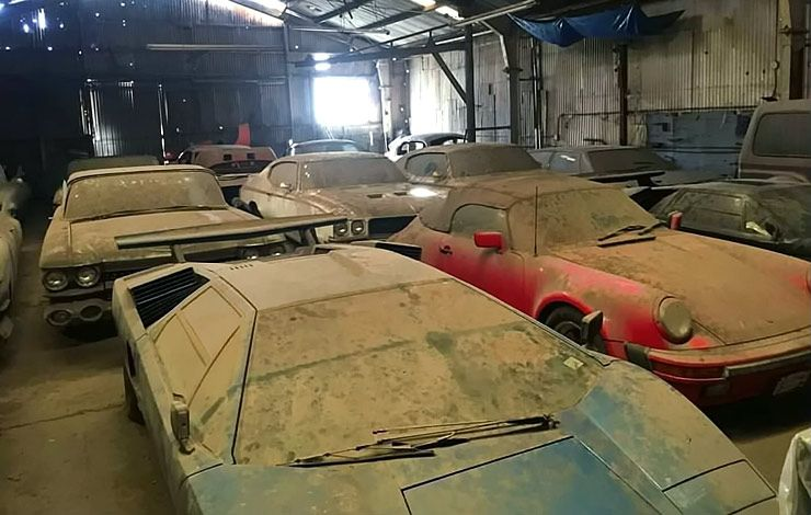 Barn find of the year abandoned lamborghinis ferrari for Self auto niortais garage automobiles niort