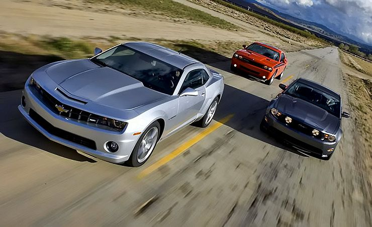 pony car war modern muscle cars go head to head throttlextreme. Black Bedroom Furniture Sets. Home Design Ideas