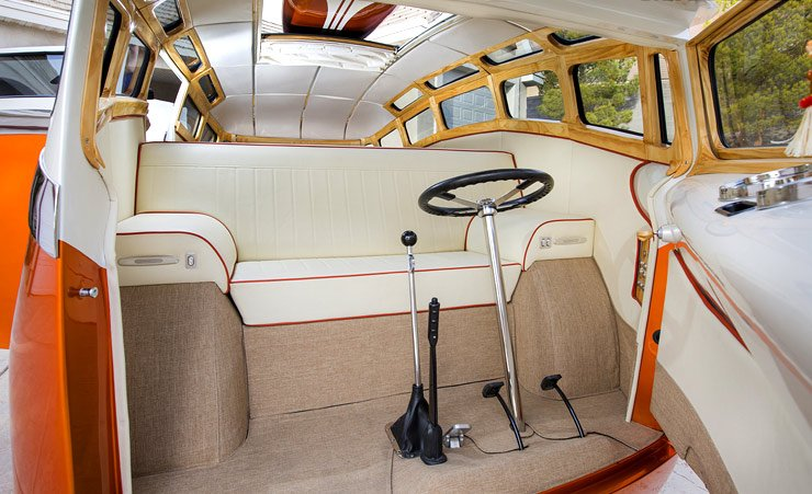 surf-seeker-vw-bus-interior