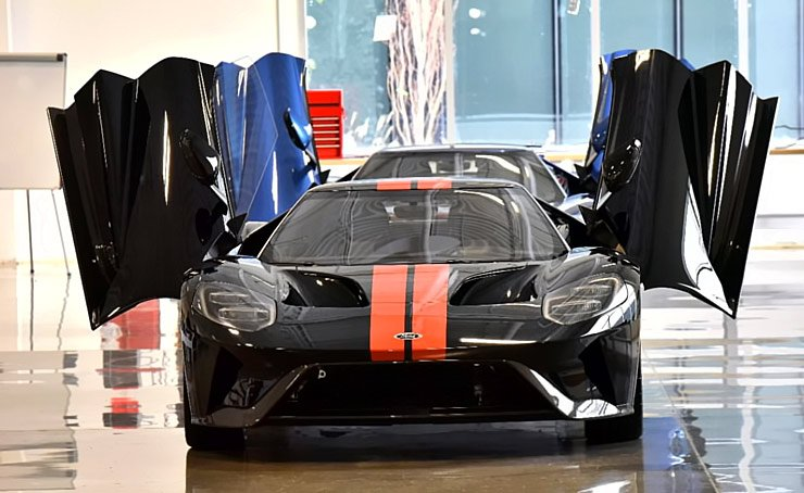 2017-ford-gt-production-has-officially-begun