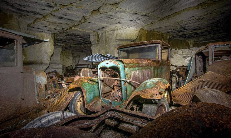 stash-of-wwii-era-cars-hidden-in-french-quarry