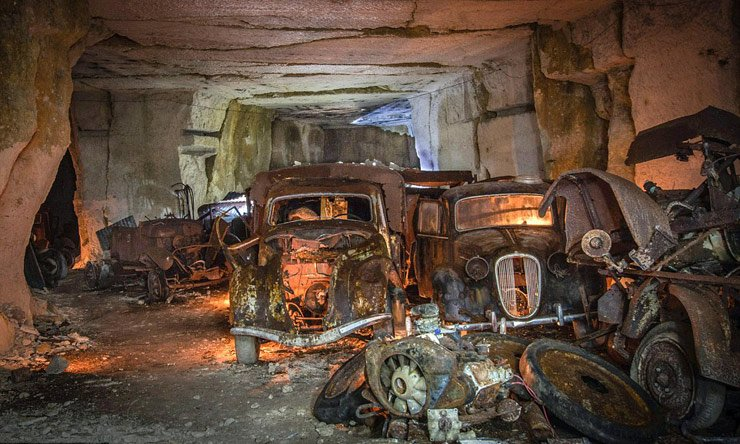 treasure-trove-of-abandoned-1930s-era-cars-discovered-in-france