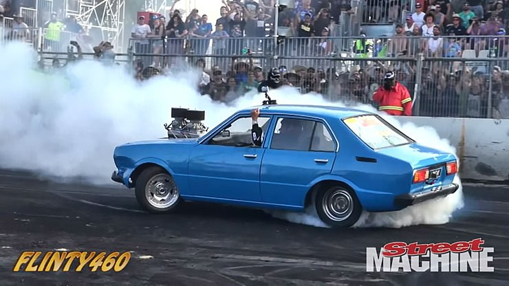 Andrew Lynch is a madman of burnouts
