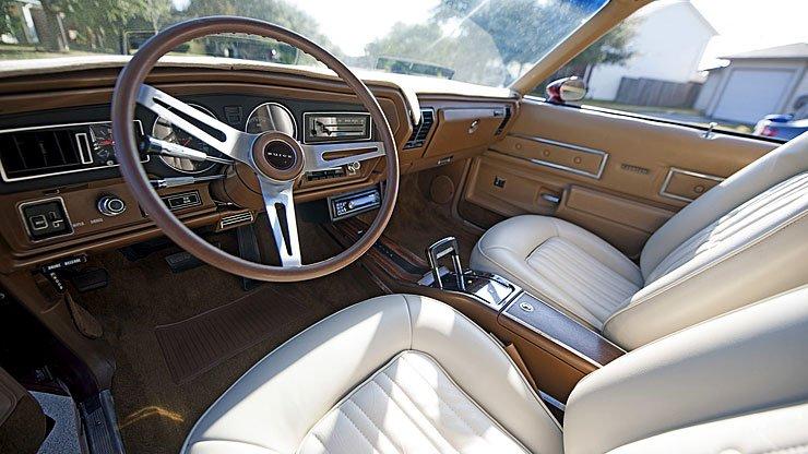 buick-gran-sport-gs-interior