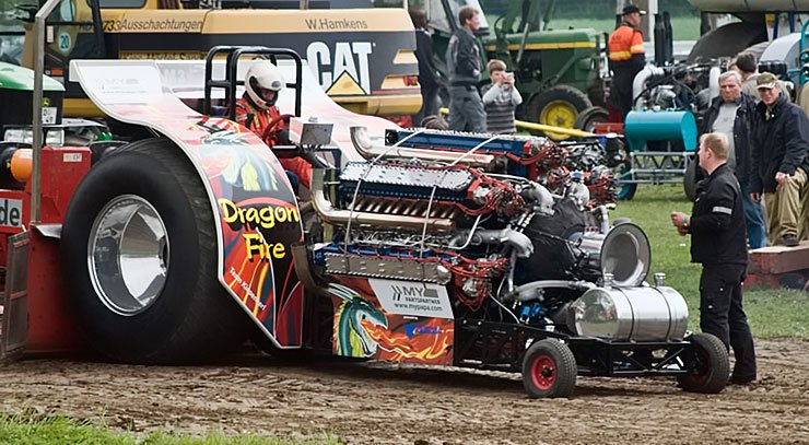 DRAGON FIRE - Powered By 42 Cylinder Radial Engine