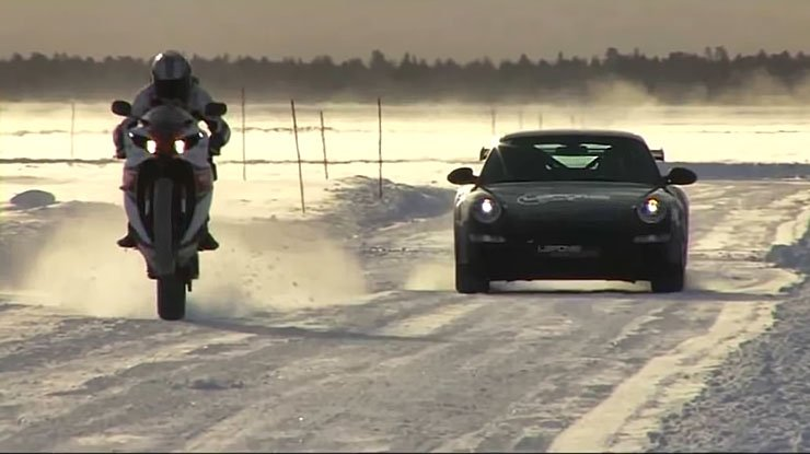 EXTREME 160 Mph ON ICE - Porsche GT3 RS face to Yamaha R1