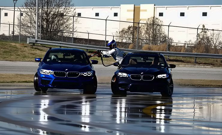 2018 BMW M5 refueling during longest continuous vehicle drift
