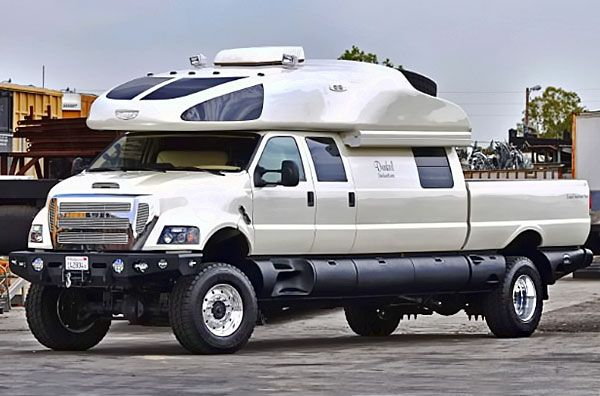 This Luxurious 6m Ford F750 Has Everything Needed