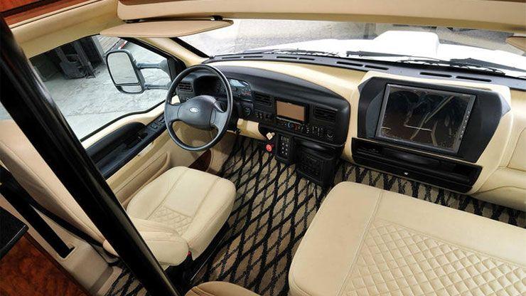 Ford F750 world cruiser dashboard