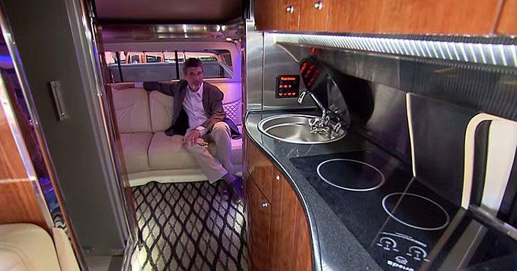 Ford F750 world cruiser interior