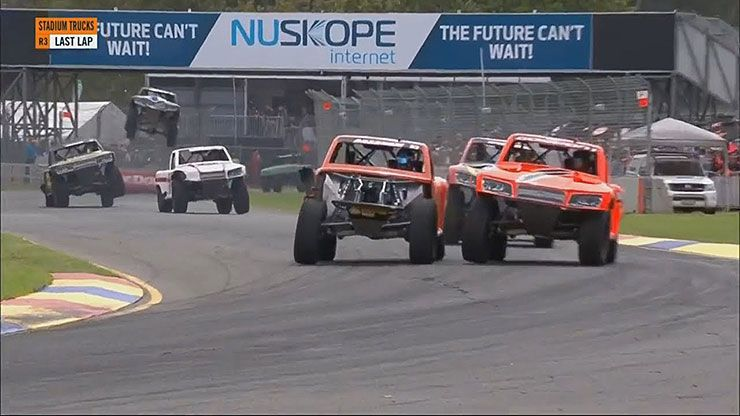 Matt Brabham vs Robby Gordon Adelaide 2018 stadium super trucks