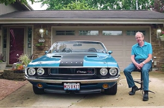 kids restore dads 1970 Dodge Challenger in memory of late mother