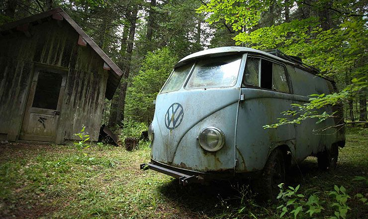 abandoned 1955 VW panelvan get rescued from the French Alps