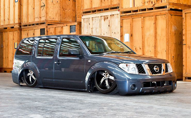 Sean Bloemers bagged Nissan Pathfinder front right tree quarters