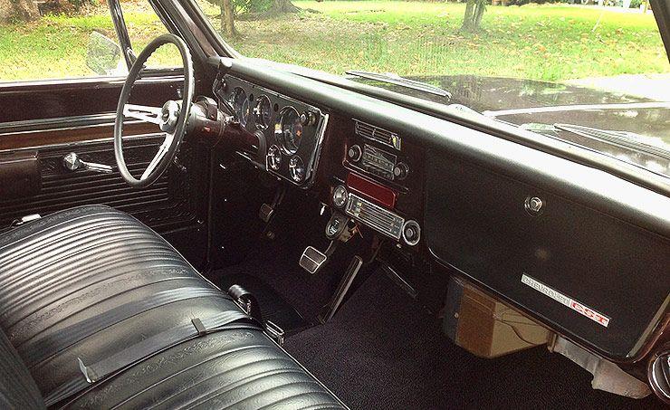 Resto-Mod 1970 Chevy CST-10 interior