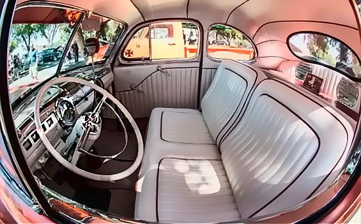 Fat Fendered 1942 Ford Mild Kustom interior