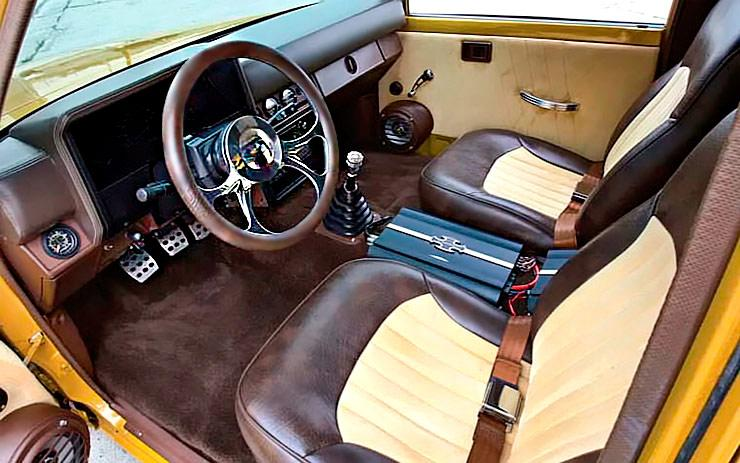 Goldy Lox Toyota pickup interior
