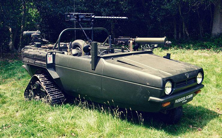 Rugged Reliant Robin has a Browning 50 calibre machine gun and caterpillar tracks