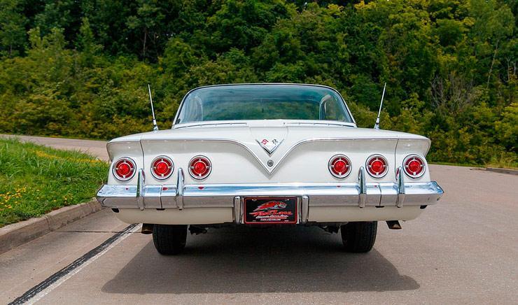 1961 Chevrolet Impala rear