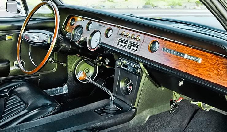 1967 Mercury Cougar XR7 dashboard