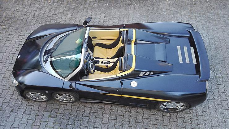 Covini C6W six-wheeled supercar top