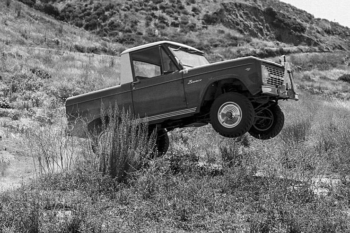 Ford Bronco vintage photo