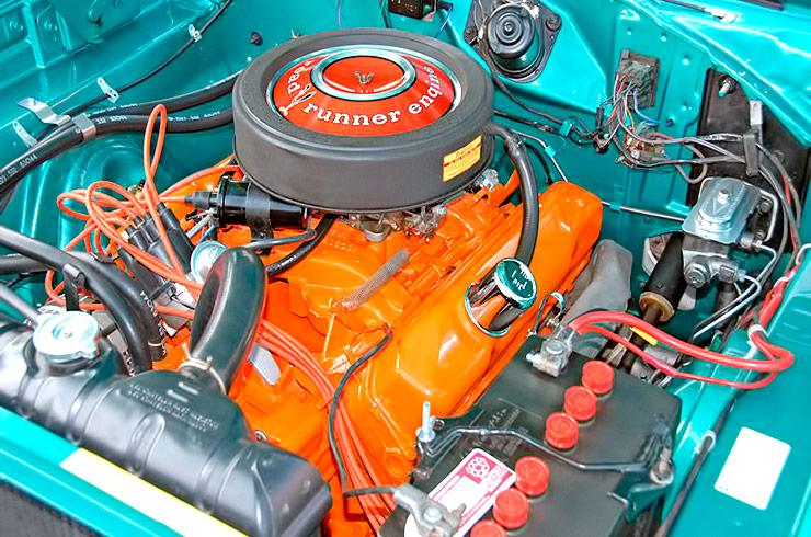 1969 Plymouth Road Runner 383 engine