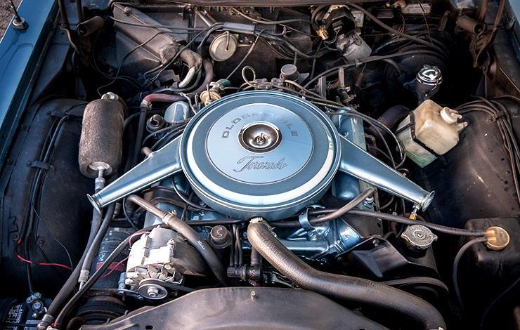 1966 Oldsmobile Toronado motor