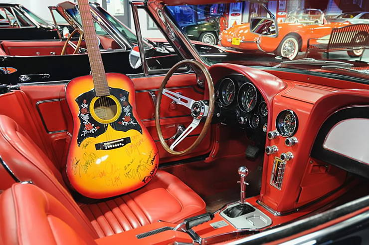 Dream Baby 1967 Corvette once owned by Roy Orbison