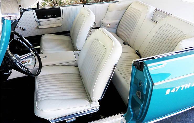 1963 Chrysler 300 Pace Setter interior