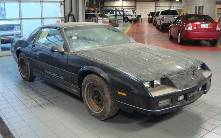 brand new 1985 IROC Z28 discovered after 24 years in trailer