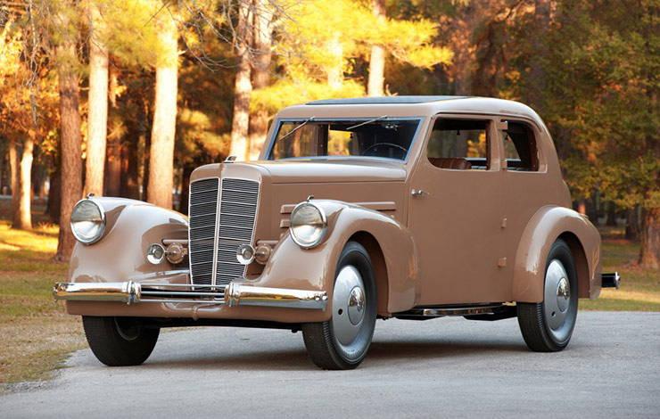 1932 Marmon HCM V12 sedan front end