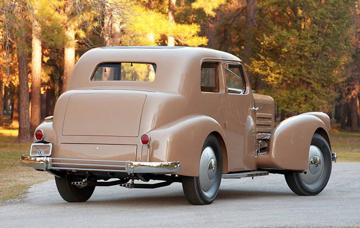1932 Marmon HCM V12 sedan rear end