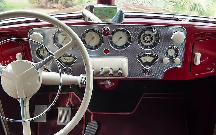 1936 Cord 810 Westchester dashboard