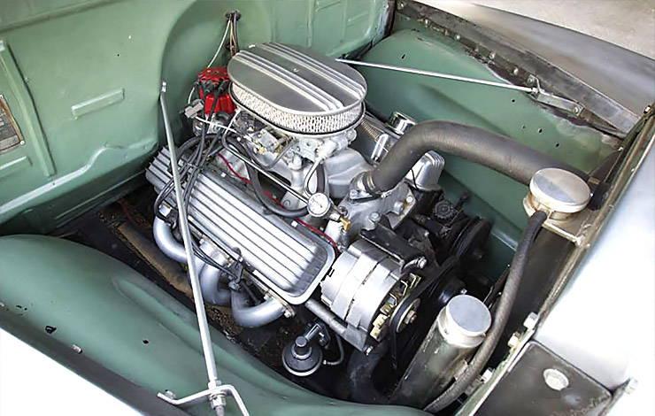 1952 GMC Suburban engine