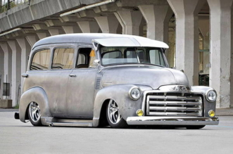 1952 GMC Suburban upsized
