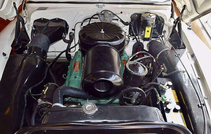 322 cubic inch V-8 motor in 1953 Buick Skylark