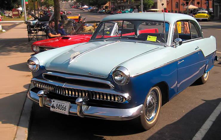 1955 Willys Bermuda hardtop front