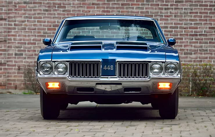 1970 Oldsmobile 442 W-30 front
