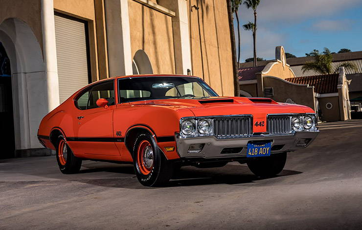 1970 Oldsmobile 442 W-30 red front right