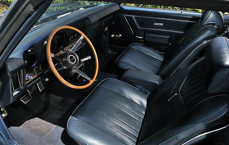 1969 Pontiac GTO Judge interior