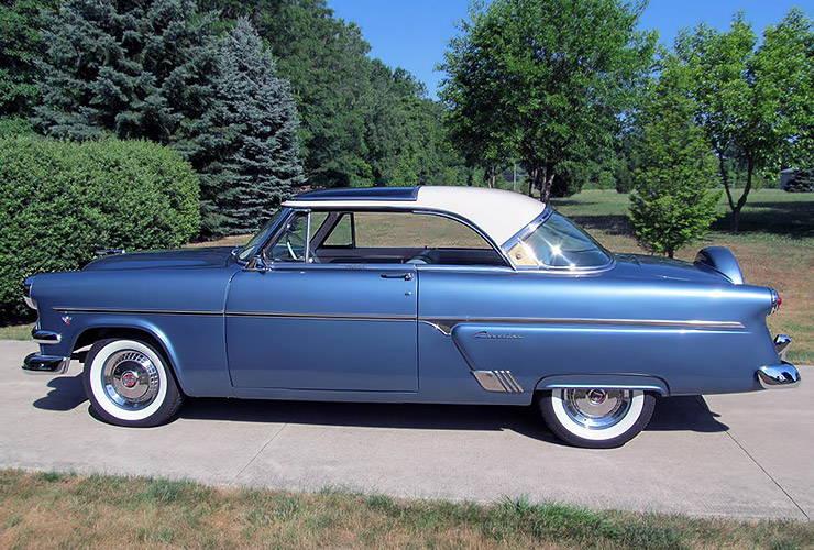 1954 Ford Crestline Skyliner left side
