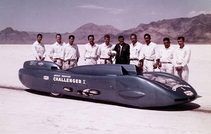 1960 Bonneville photo of Mickey Thompson with his crew